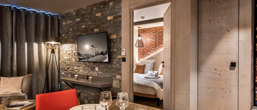 france_espace-killy_val-disere_residence-chalet-skadi_bedroom-interior.jpg